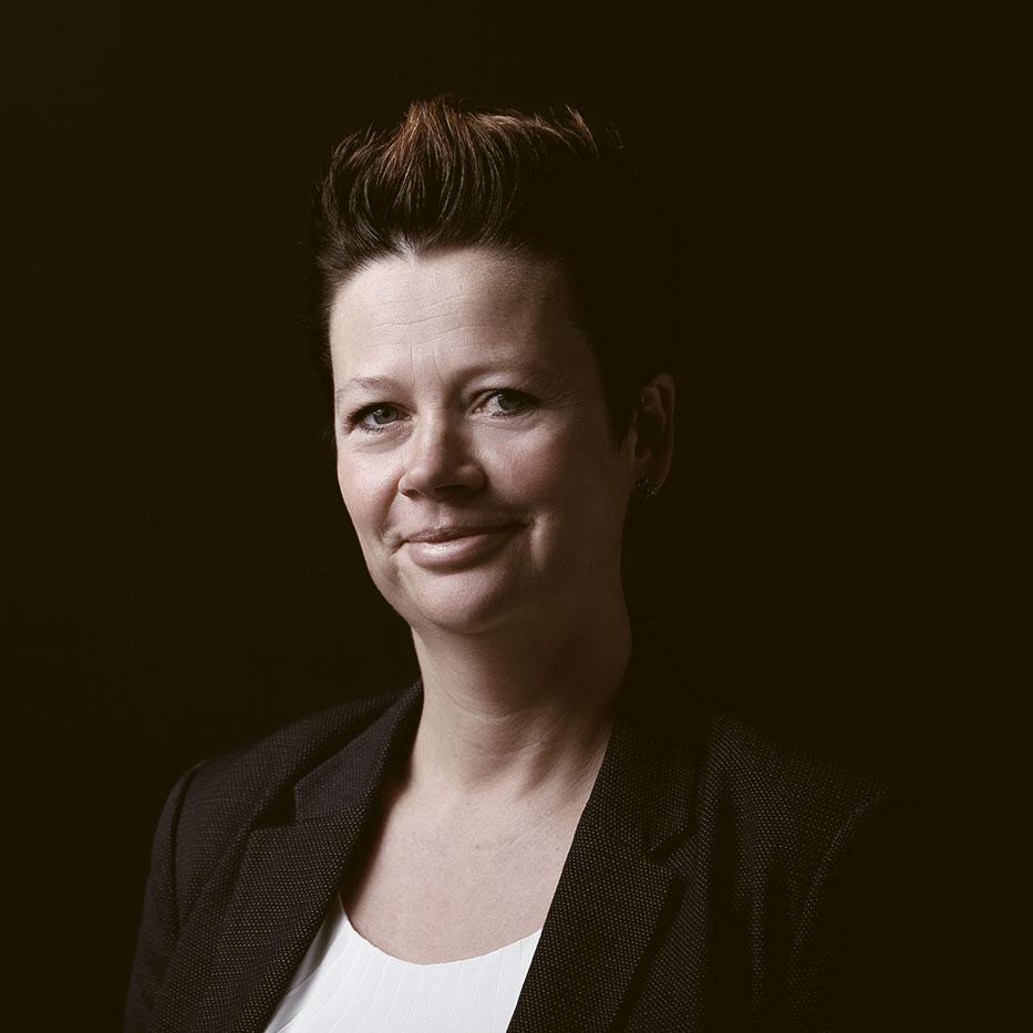 Claudia Krüger - Rechtsanwältin in der Kapitalmarktrecht Kanzlei Katzorke - Anwältin für Steuerrecht und spezialisiert auf Konzeption und Erstellung von Verkaufsprospekten für Vermögensanlagen und Wertpapierprospekten, Betreuung von BaFin-Genehmigungsverfahren, Konzeption von Mitarbeiterbeteiligungsprogrammen